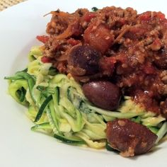 Ingredients: 4 zucchini, sliced very thin 500g beef mince 1/2 cup black olives 1 red onion, sliced very thin 5 tomatoes, chopped, 6 cloves of garlic, minced 1 can of whole-peeled tomatoes 1 jar of tomato paste dried herbs (I used oregano, basil, thyme & parsley, about 1/2 tsp each) 2 tsp paprika 1/2 …