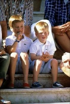 Prince William and Prince Harry in Majorca, Spain. Princess Diana Family, Princess Diana Pictures, Royal Princess, Prince And Princess, Princess Charlotte, Prince William And Harry, Prince Harry And Megan, Prince Henry, Lady Diana Spencer