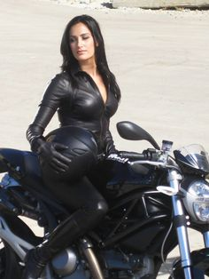 donna_feldman_visa_motorcycle  Return of the Cafe Racer.