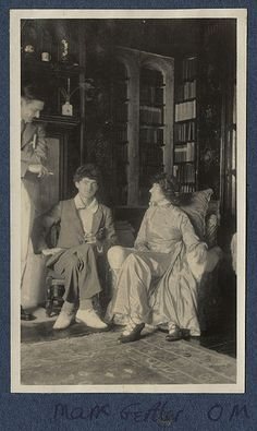 Lady Ottoline Morrell, Thomas Stearns ('T. Lady Ottoline Morrell, ca. Lady Ottoline, Dora Carrington, Portraits Victoriens, Antonio Garcia, Piano Recital, Bloomsbury Group, National Portrait Gallery, Jewish Art, Musical