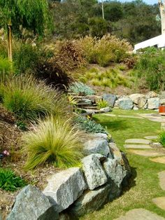 natural looking retaining wall