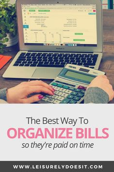 A DIY bill organizer binder is the best way to organize bills monthly. It makes it really easy to keep track of due dates and pay them on time. Budget Organization, Household Organization, Organizing, Organising Ideas, Organization Station, Financial Tips, Financial Literacy, Bill Binder, Cleaning Schedule Printable