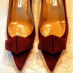 Ultra Elegant Suede Kitten Heels Merlot Suede Oscar Dr la Renta --New w/o tag Oscar de la Renta Shoes Heels