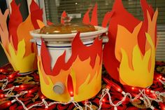Chili Cook Off Flames, a great way to cover crock pots Chili Party, Bbq Party, Rib Cook Off, Chili Cook Off, Cooking For Two, Work Party, Fire And Ice, Chili Recipes, Fundraising