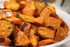 Roasted sweet potato with spices mesdelices. Frozen Sweet Potato Fries, Sweet Potato Cinnamon, Potatoe Casserole Recipes, Soup Recipes, Dessert Recipes, Vegan Sweet Potato Recipes, Healthy Snacks, Healthy Recipes, Crockpot