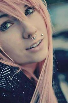 one time i got my self a septum piercing……….omg the othe… – Piercing Designs Foto Piercing, Piercing Tattoo, Scene Girls, Emo Scene, Johnny Depp, Labret Vertical, Monroe Piercings, Septum Piercings, Gauges