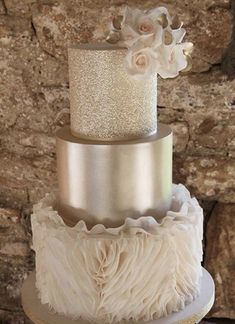 Discover latest Luxury Wedding Cakes trends, Luxury Wedding Cakes inspration, style and other ideas to try. Get updated with Luxury Wedding Cakes and latest articles including celebrities, fashion, hot trends and much more! Luxury Wedding Cake, Elegant Wedding Cakes, Beautiful Wedding Cakes, Wedding Cake Designs, Beautiful Cakes, Amazing Cakes, Cake Wedding, Gold Wedding, Wedding Shoes