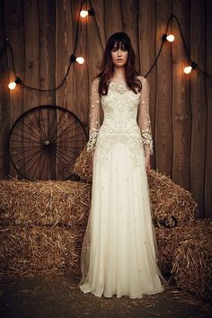 Wedding dress by Jenny Packham from the 2017 Bridal collection. Image courtesy of Jenny Packham. Popular Wedding Dresses, Country Wedding Dresses, Wedding Dress Trends, Boho Wedding Dress, Wedding Dress Styles, Wedding Gowns, Wedding Ideas, Punk Wedding Dresses, Mermaid Wedding