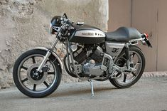 Italian Cafe, Classic Bikes, Cafe Racers, 3, Vehicles, Vintage, Motorcycles, Wheels, Engineering