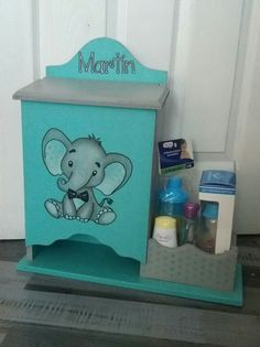Decoupage, Unique Presents, Baby Toys, Ideas Para, Toy Chest, Birthday Gifts, Baby Shower, Crafts, Diy