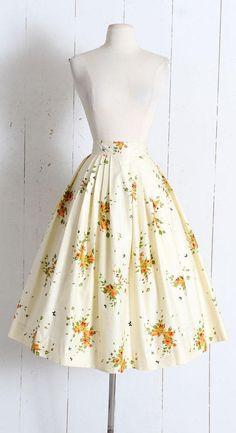 Vintage 1950s Skirt vintage 50s novelty print floral