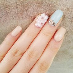 Blush pink flowers rhinestones light summer nails