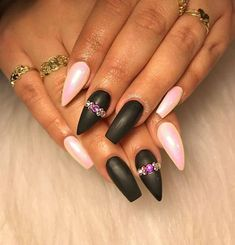 50 Stunning Mountain Peak Nail Ideas That You'll Fall in Love With Black French Nails, French Nail Art, Black Nails, White Nails, Gold Nail Designs, Gel Designs, Nails Design, Gold Nails, Stiletto Nails