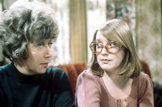 With her mother Blanche Hunt as portrayed by the late great Maggie Jones. Coronation Street Actors, Anne Kirkbride, British Drama Series, Old Tv Shows, Past, Soap, Brick Lane, Running, Live