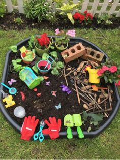 Small world tuff tray eyfs early years imaginative play bugslife bugs snail mini beast exploring outdoor play – small Kids Outdoor Play, Outdoor Play Areas, Outdoor Activities For Kids, Outdoor Learning, Spring Activities, Toddler Activities, Eyfs Outdoor Area Ideas, Outdoor Fun, Tuff Spot