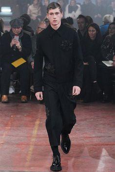 [Alexander McQueen]: textured embellishments — beading
