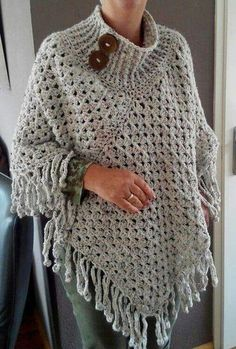tuto Poncho crochet 6 This Lisbon Lace Poncho Free Crochet Pattern is as versatile as it is ethereal. Poncho Au Crochet, Crochet Poncho Patterns, Shawl Patterns, Crochet Scarves, Crochet Clothes, Crochet Stitches, Crochet Woman, Love Crochet, Knit Crochet