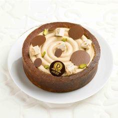 Cake Tourbillon - Cake délicieusement moelleux à la pistache et à la crème de nougat aux amandes de la vallée Di Noto et aux noisettes du Piémont.
