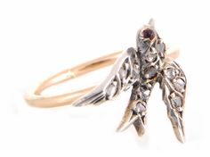 Annina Vogel - Swallow ring on rose gold band