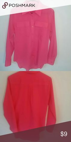 Apt 9 Pink LONG Sleeve Shirt xs Apt 9 Pink LONG Sleeve Shirt button down shirt with two pockets on front. Bust 38 Length 29 Apt. 9 Tops Button Down Shirts