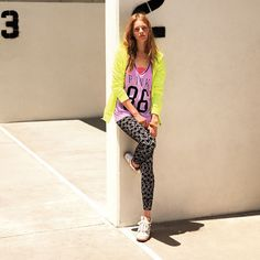 So perfect for back to school! Love this look from #VSPINK's new Campus Essentials. #StreetSmart #CampusEssentials