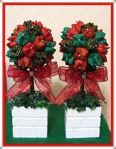 Topiária de Natal no Elo7 | Paty Mymos Lembrancinhas (3834C2) Christmas Topiary, Christmas Home, Christmas Wreaths, Christmas Crafts, Christmas Decorations, Xmas, Holiday Decor, Christmas Inspiration, Home Deco