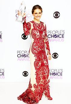 People's Choice Awards 2014  Stana Katic in Naeem Khan with her favourite tv actress drama award