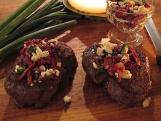 greek beef tenderloin. oh man. this sounds so amazing. black pepper. olives. feta. ah....