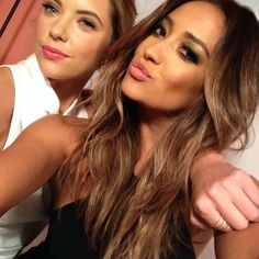 #ShareIG Shay and Ashley took another selfie with the #PLLphone at the #PLL100Party! #PLL #ButtahBenzo