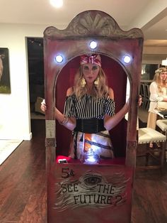 DIY Fortune Teller Costume #halloween2017 #costumedesign #costume #halloweenparty #diy #diyhalloween #diyhalloweencostumes #womenshalloweencostumes