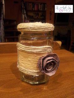 Barattolo decorato con rafìa e spago con rosa applicata in finto feltro ♡ In Arte Sy