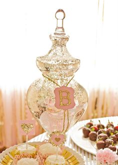 Pink and Gold Themed Birthday Party - Pretty My Party #pink #gold #birthday #party #ideas