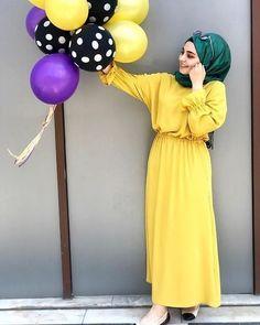 Image may contain: 1 person standing Tesettür Kombinleri Casual Hijab Outfit, Hijab Chic, Hijab Dress, Dress Muslimah, Muslim Women Fashion, Islamic Fashion, Hijabi Girl, Girl Hijab, Modele Hijab