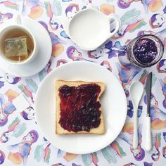 BREAKFAST with grape jelly toasts from @amalteaco and #illustrated #gift #wrapping #paper