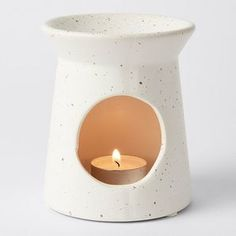 The perfect accessory for any room. Pop in your favourite oils and watch the dancing flame create a beautiful ambient light while soothing the senses...