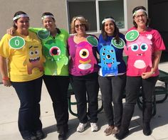 Class Dojo Monsters Do you need some ideas for your school Halloween costume? Teachers from all over share their practical & appropriate team Halloween costume ideas! Teacher Halloween Costumes Group, Halloween School Treats, Halloween Cans, Theme Halloween, Cute Halloween Costumes, Easy Halloween, Halloween Halloween, Vintage Halloween, Teacher Book Character Costumes