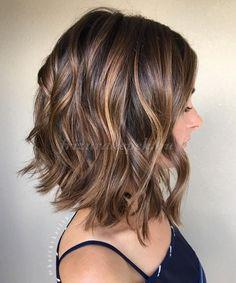 félhosszú hullámos frizurák - hullámos hosszú bubifrizura