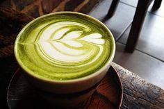 ============================== >> ❤️ Matcha green tea latte recette ============================== Matcha green tea latte recette Put in the oven for 10 Drink Menu, Food And Drink, Healthy Drinks, Healthy Recipes, Healthy Food, Matcha Latte Recipe, Uji Matcha, Matcha Green Tea Latte, Coffee Photography