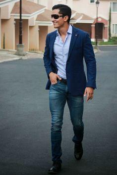 Men'S attire blazer gents style academy casual look fashion for men. look blazer, sports Blazer With Jeans Men, Look Blazer, Casual Blazer, Men Blazer, Blue Blazer Outfit Men, Navy Jeans, Blazer Outfits Men, Jacket Jeans, Blazer Bleu