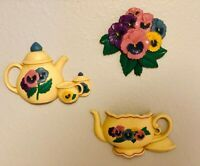 Vintage 1977 Set Flor Cesta Home Interiors Pared Placas Burwood productos | eBay Home Interiors And Gifts, Baskets On Wall, Flower Basket, Yellow And Brown, Interior Walls, Wall Plaques, Bowser, Ebay, Christmas Ornaments