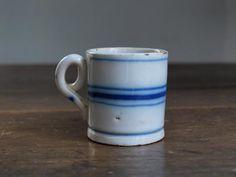 青い線の小さな陶器カップ 西班牙陶器