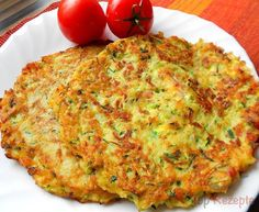 Courgette and potato pancakes with bacon Top-Rezepte.de - The combination of potatoes and zucchini is a bite to eat. Delicious zucchini and potato pancakes w - Czech Recipes, Slovak Recipes, Ethnic Recipes, Easy Dinner Recipes, Easy Meals, Vegetable Pancakes, Potato Pancakes, Healthy Meals For Kids, Healthy Recipes