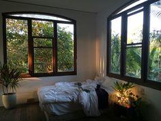 Home Bedroom, Bedroom Decor, Bedrooms, Bedroom Lighting, Bedroom Inspo, Appartement Design, Room Goals, Dream Apartment, Dream Rooms