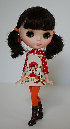 So cute! Can't wait to start making clothes for Blythe :)