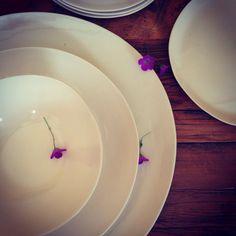 White dinnerware heading to Maui