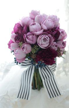 紫のブーケ 治作さまへ たった一つのブーケ : 一会 ウエディングの花