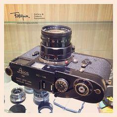 Leica M2 Black Paint with Summicron 50mm f2 Rigid Black Paint #Leica #Noctilux…