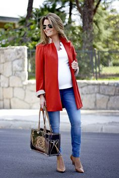 Fashion and Style Blog / Blog de Moda . Post: Top and Jacket by Oh My Looks / Top y Chaqueta de Oh My Looks  ( Pedidos / Orders : info@ohmylooks.com )  .More pictures on/ Más fotos en : http://www.ohmylooks.com .Llevo/I wear: Top ; Jacket / Chaqueta   : Oh My Looks ; Bag / Bolso : Loewe ; Jeans : H&M ; Sunglasses / Gafas de sol : Porsche