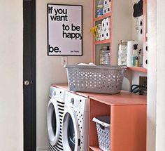 comment gagner la bataille du linge des paniers dans la cloison entre la salle de bains et la. Black Bedroom Furniture Sets. Home Design Ideas