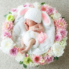 Ideas For Baby Photography Ideas Easter Children Photography, Newborn Photography, Photography Backdrops, Photography Ideas, Baby Mine, Baby Poses, Newborn Shoot, Baby Bunnies, Child Models